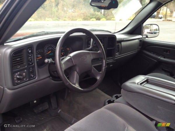 Dark Charcoal Interior 2005 Chevrolet Silverado 1500 Z71 Crew Cab