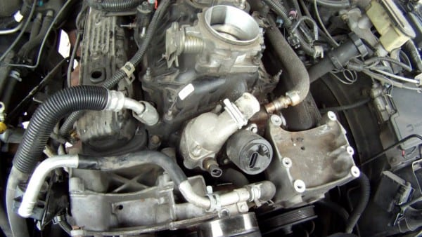 1999 Chevy Tahoe Upper Lower Intake Engine Break Down Pt 2