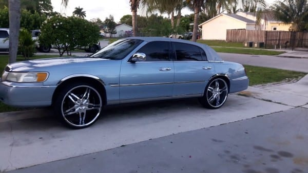 98 Lincoln Town Car On 24