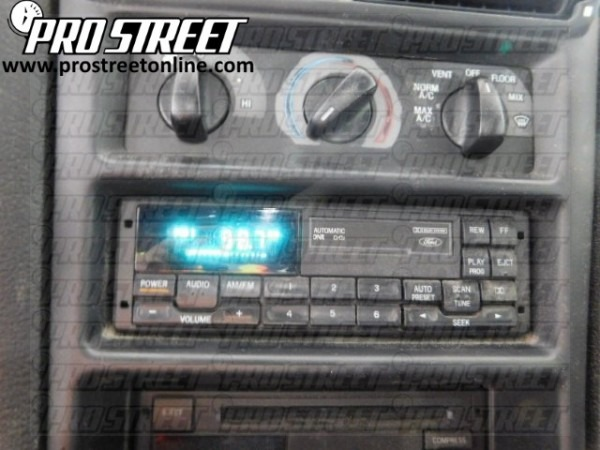 1995 Ford Mustang Radio