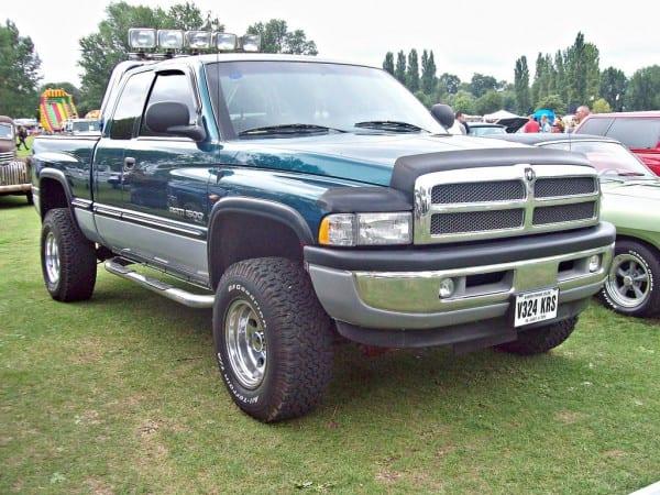 301 Dodge Ram 1500 Truck (2nd Gen) (1999)