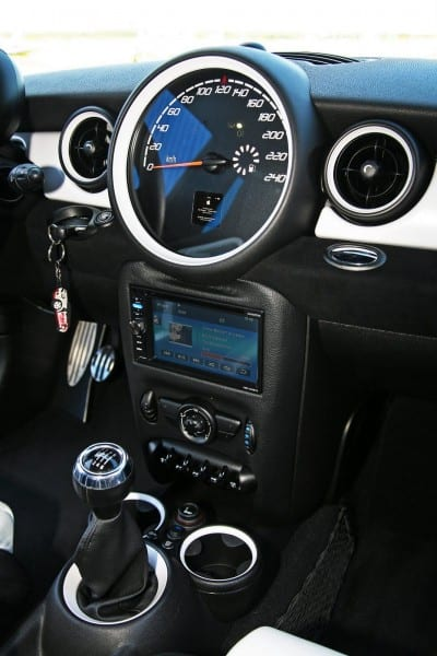 Mini Cooper S Aftermarket Stereo