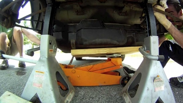 How To Change A Fuel Pump On A Dodge Neon