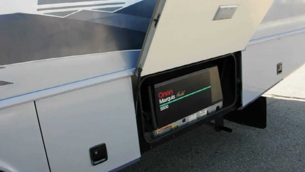 Onan Marquis Gold 5500 Ultra Quiet Generator, Very Reliable!