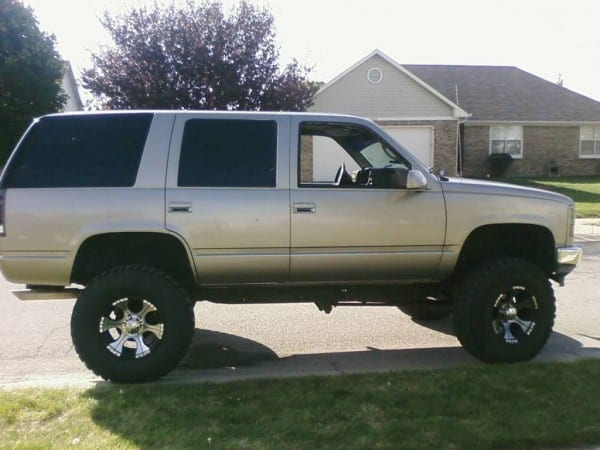 98 Yukon Lifted With 37s