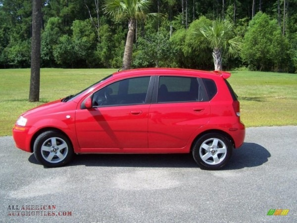 2006 Chevrolet Aveo Lt Hatchback In Victory Red Photo  8