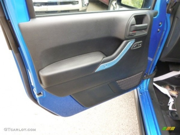 2015 Jeep Wrangler Unlimited Rubicon 4x4 Black Door Panel Photo
