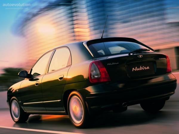 Daewoo Nubira Hatchback Specs & Photos