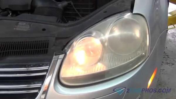 Headlight Bulb Replacement Volkswagen Jetta 2005