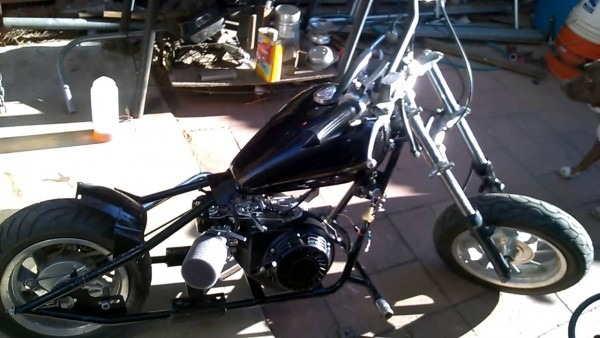 Hemi Predator Mini Chopper(engine Warm Up)