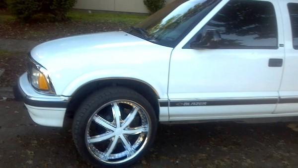 97 Chevy S10 Blazer With 22  Rims Oregon Style