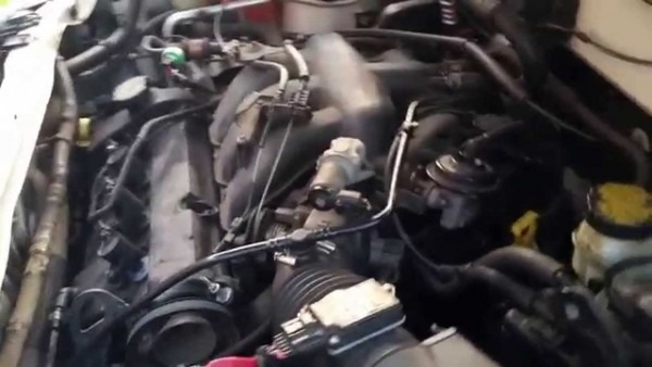 2004 Ford Escape Xlt 3 0 V6 Engine Problem Part 1 (idle)