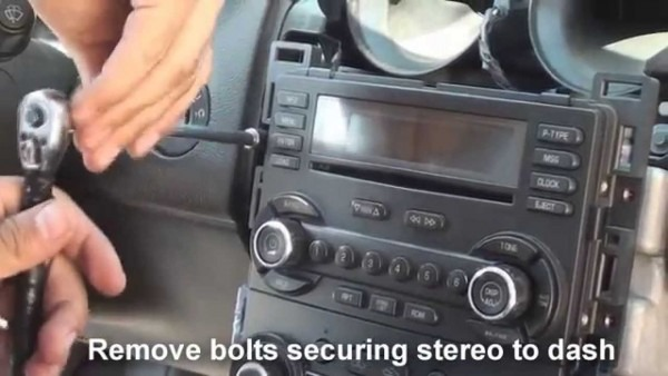 Remove Factory Stereo G6 2005