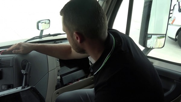 How To Replace In Cab Fuse In Freightliner Cascadia Evolution