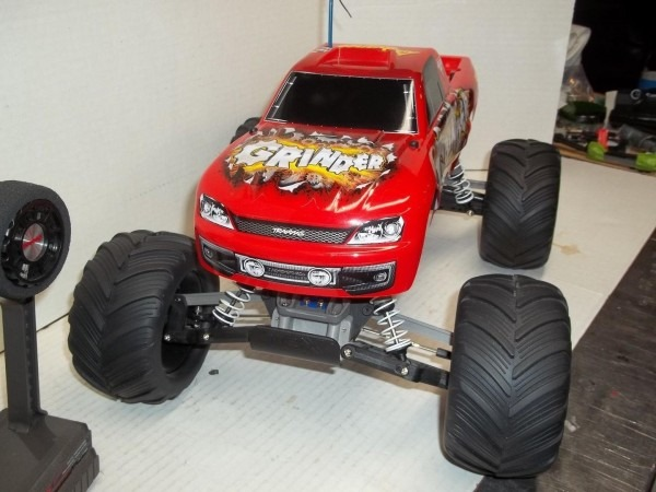 Original Traxxas Monster Jam Advance Auto Parts Grinder Shelf