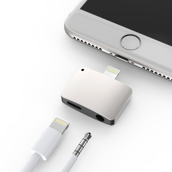 Iphone 7   7 Plus Lightning Port To Headphone Jack And Lightning