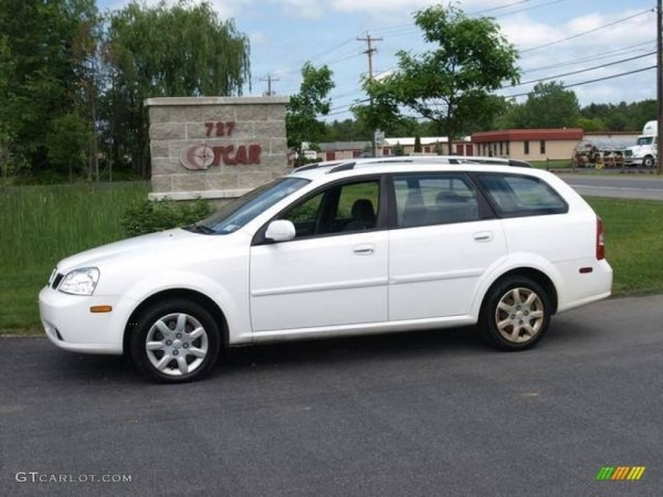 2005 Absolute White Suzuki Forenza S Wagon  11772678