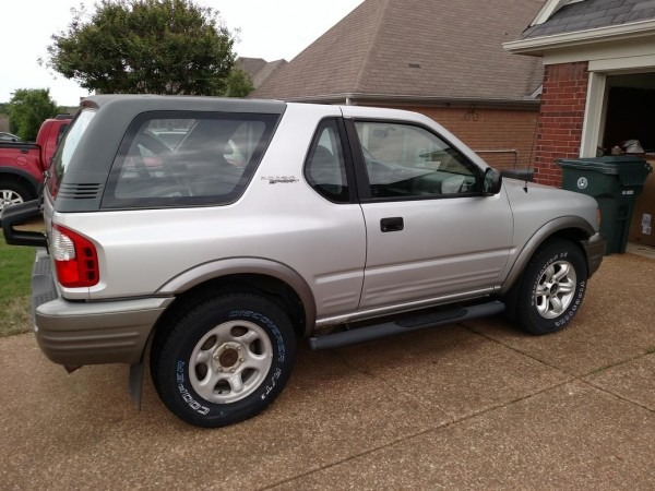 2002 Isuzu Rodeo Sport Hard Top