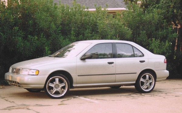 1997 Nissan Sentra Photos, Informations, Articles