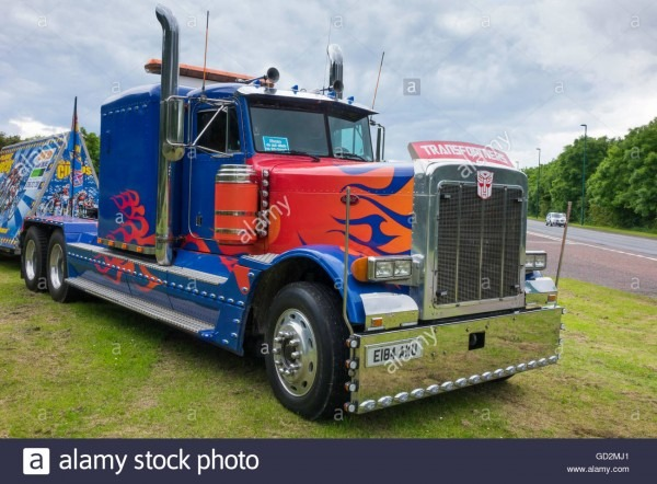 An American Peterbilt 379 Truck Used By A Circus Stock Photo