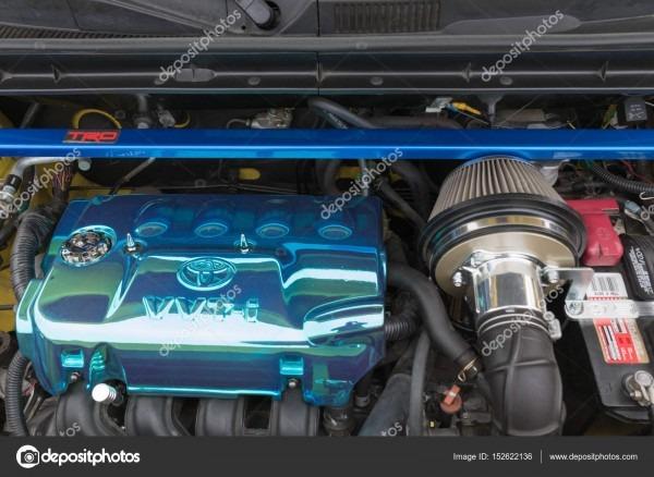 Scion Xb Engine 2005 On Display – Stock Editorial Photo
