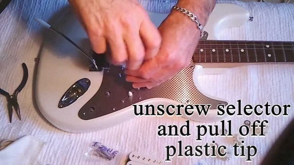 How To Easy Change A Strat Fender Pickguard, And Replace Pickup