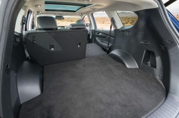 2019 Hyundai Santa Fe Cargo 01