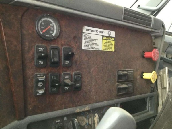 2000 Freightliner Century Class 120 Dash Panel For Sale