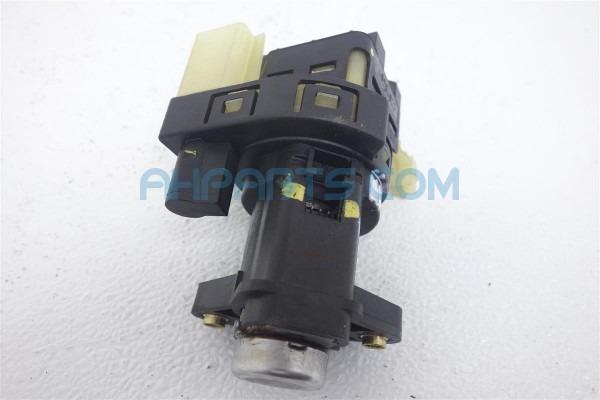 2004 Chevy Impala Column Ignition Switch W O Keys, 3 4l, At 22670487