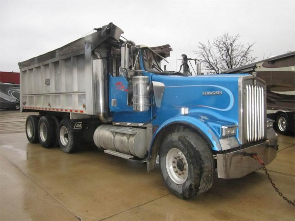 2002 Kenworth W900 Dump Truck For Sale, 470,000 Miles