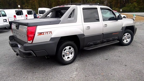 Scott's 2004 Chevy Avalanche Z66 By Marquis Elmore