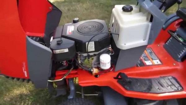 Scotts S1642 Lawn Tractor Vid1
