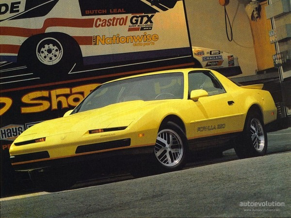 Pontiac Firebird Specs & Photos