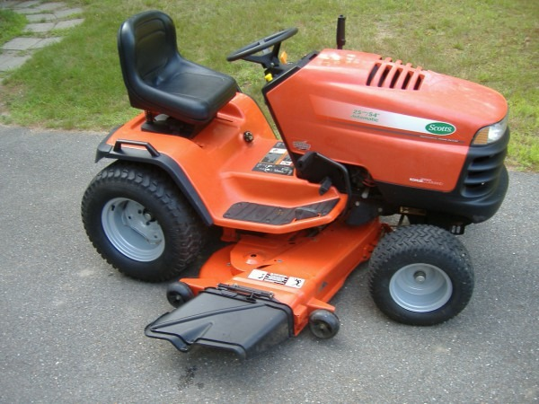 Old Scotts Lawn Tractor