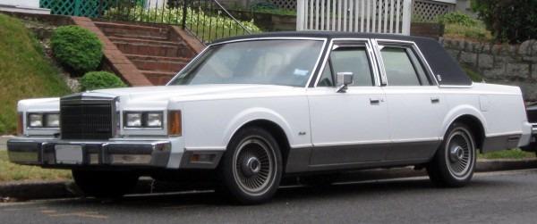 File 1989 Lincoln Town Car