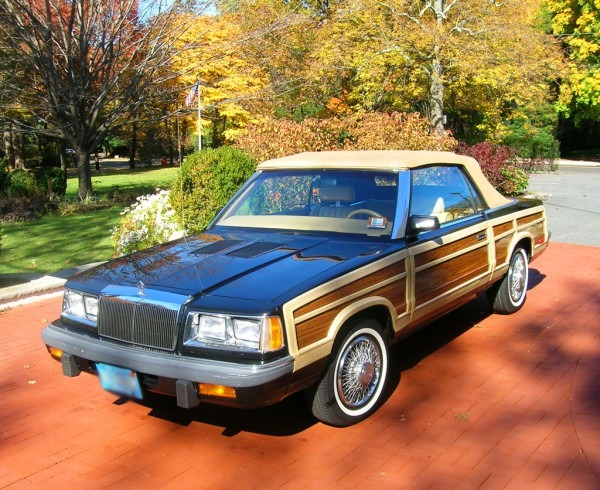 1986 Chrysler Town & Country Convertible Left Front View