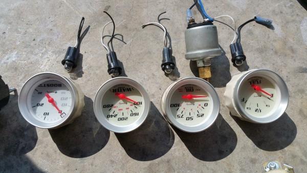 Gauges! Aem Wideband, Oil Pressure, Water Temp, And More