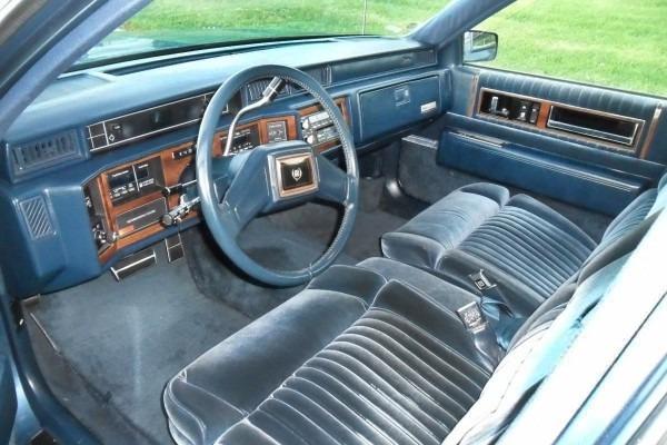 Captivating 1989 Cadillac Fleetwood Interior O  9172