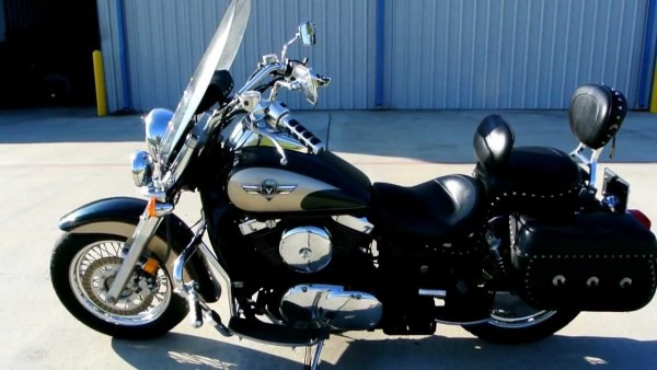 2000 Kawasaki Vulcan 1500 Classic Loaded With Accessories Overview