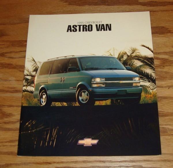 Original 1995 Chevrolet Astro Van Deluxe Sales Brochure 95 Chevy