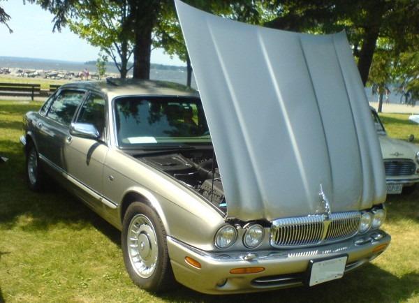File '99 Jaguar Xj8 (ottawa British Auto Show '10) Jpg