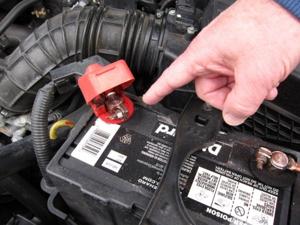How To Make A Nissan Altima Battery Terminal Replacement