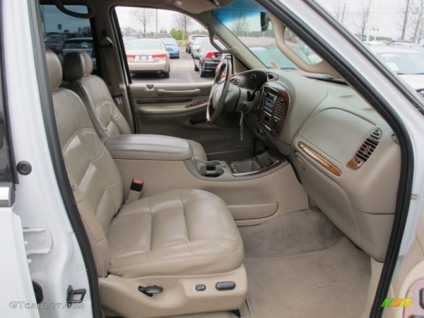 2001 Lincoln Navigator Standard Navigator Model Interior Photo
