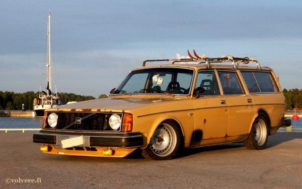 Volvo 240 Wagon Custom  210