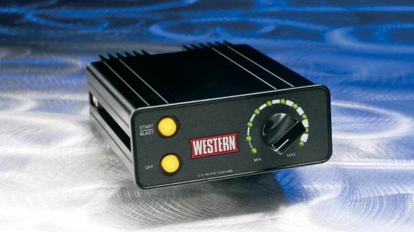 New Western 1000 Low Profile 8 Cu  Ft  Salt Spreader