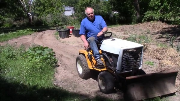 The Cub Cadet 1810 With Push Blade