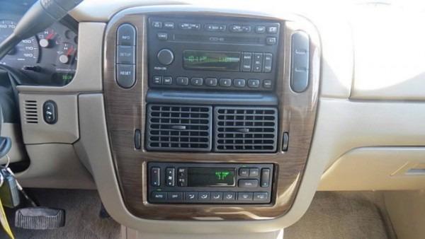 Used Car Special • 2004 Ford Explorer Eddie Bauer• Lake Elsinore