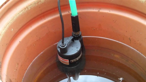 Using Everbilt 1 6 Hp Submersible Pump To Empty Rain Barrel