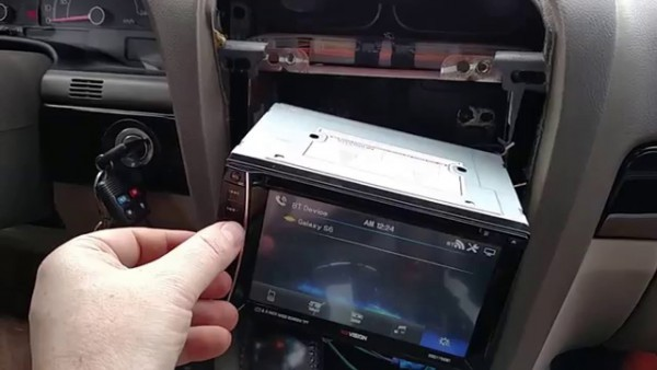 Review And Install Of The Xo Vision Double Din Radio, With Factory