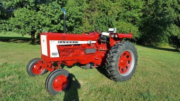 1967 Ih Farmall 706 Tractor D